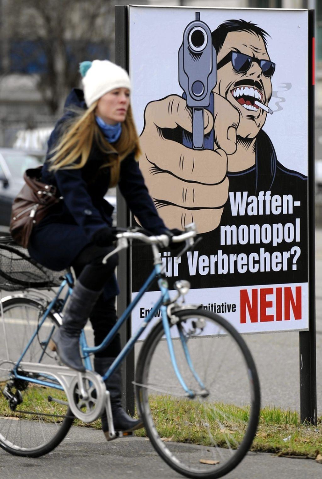 Švica bo še naprej oborožena