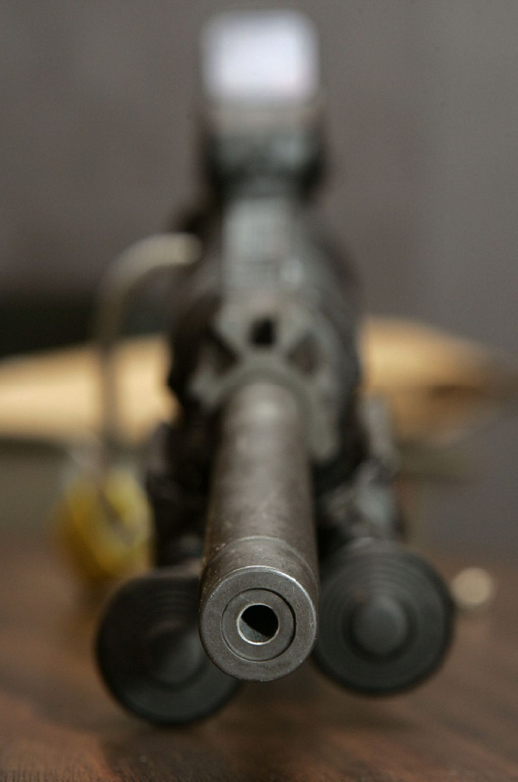 Strelivo iz skladišč JLA v Ložnici začetek trgovanja z orožjem?