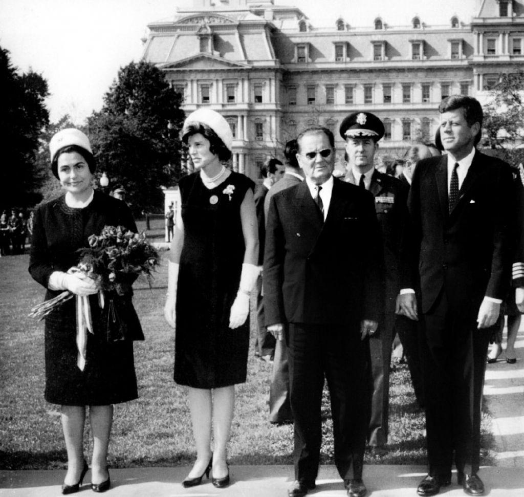 Razvpite teorije zarote: kdo je ubil Kennedyja?