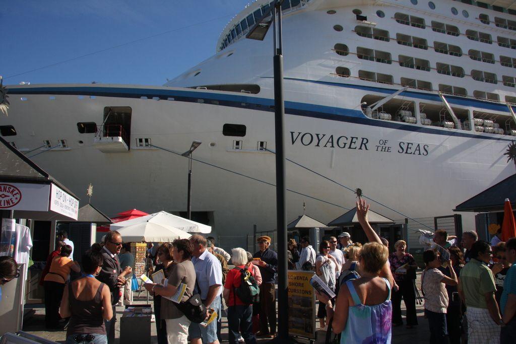 Voyager of the Seas - največja v Kopru doslej