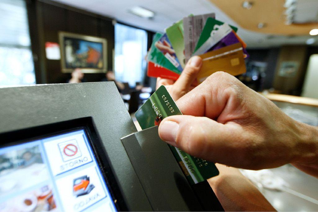 Zaradi kartice zvestobe se ne splača spreminjati nakupnih navad