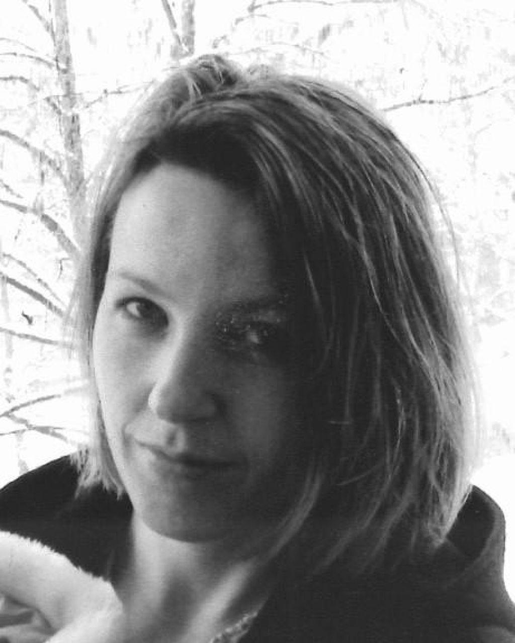 Seks na eks in druge malenkosti v novem romanu Lucije Stepančič