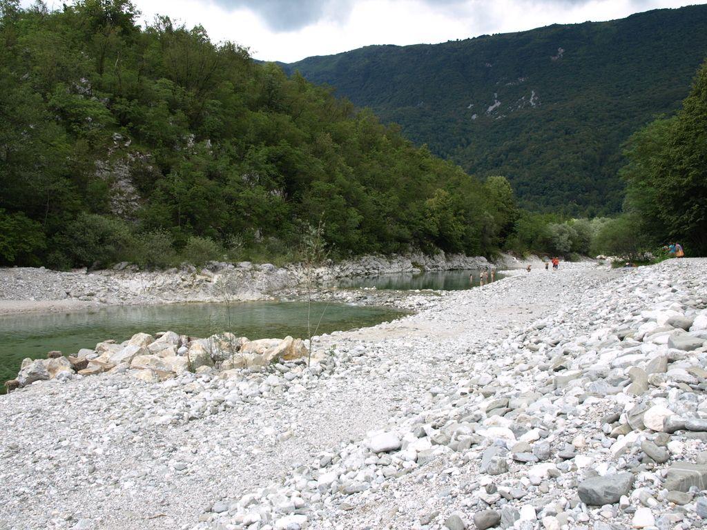 Slovenska kopališča: poletni užitki ob Nadiži