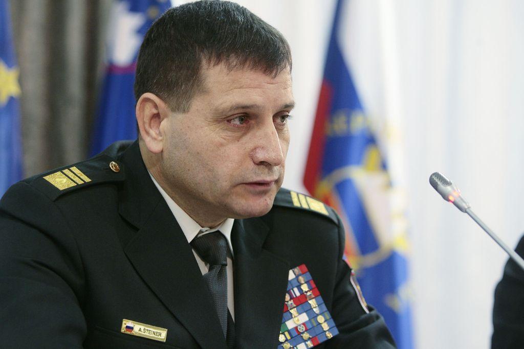 Vlada soglaša s podelitvijo francoskega odlikovanja generalmajorju Šteinerju