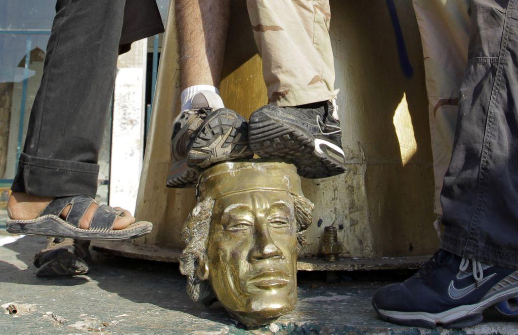 Pod žarometom: Moamer Gadafi