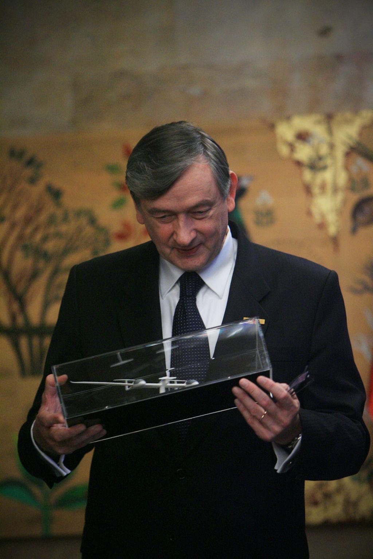 Türk: Brez vlaganj v zdravstvo nazaj v kameno dobo