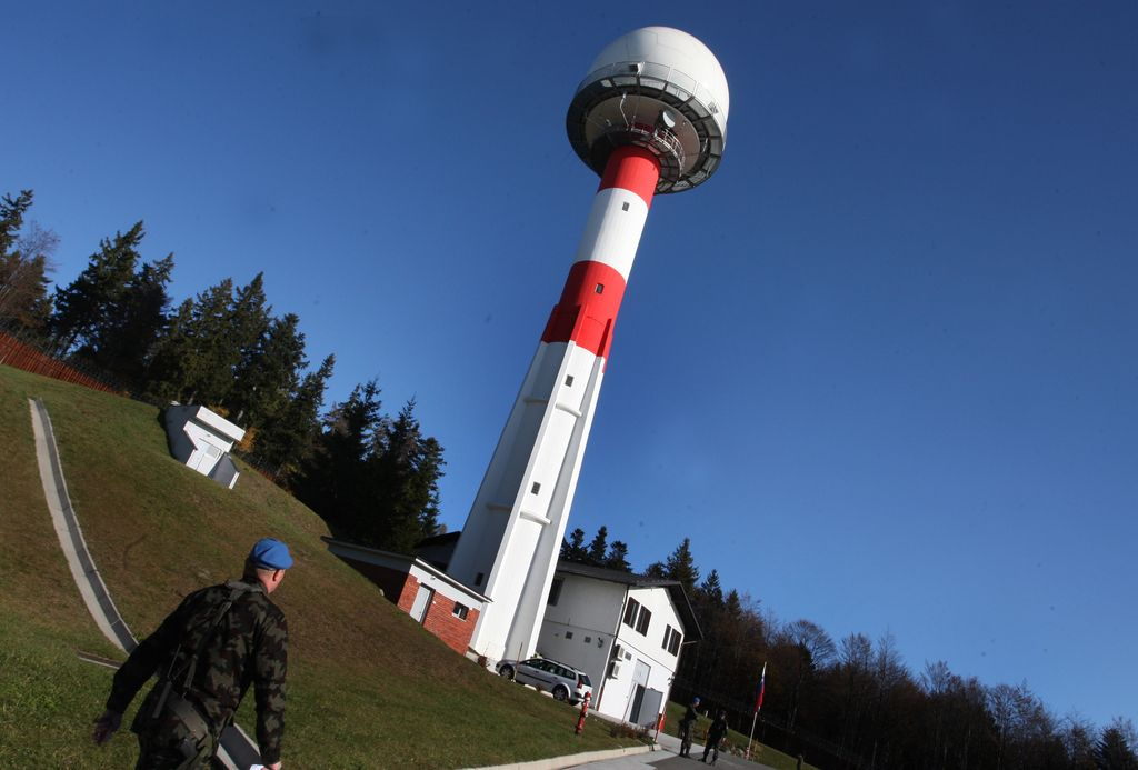 Poskusno delovanje novega vojaškega radarja