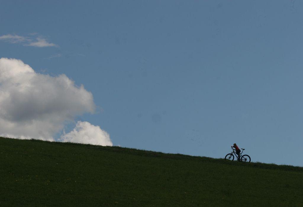 Razvajati kolesarje, ne avtomobiliste