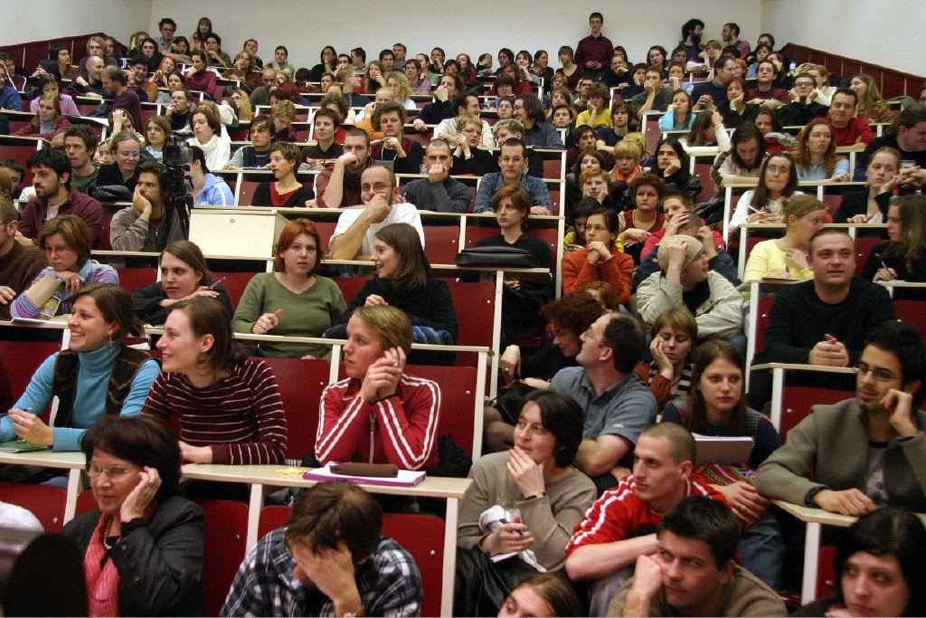 Več univerz, manj študentov