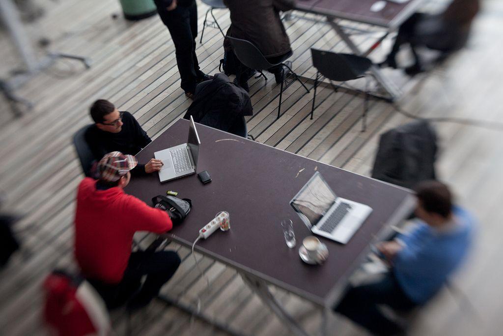 Coworking: Delijo si delovne mize in zamisli