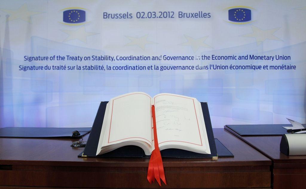 V Bruslju podpisali fiskalni pakt