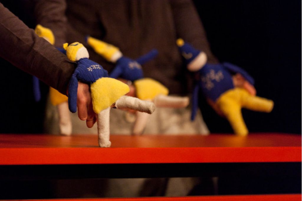 Kulturaža s predstave Vrnitev v Bullerbyn: mehko in očarljivo