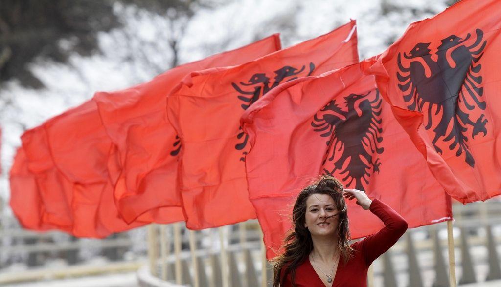 Albaniji zapira pot v Evropo politični razkol