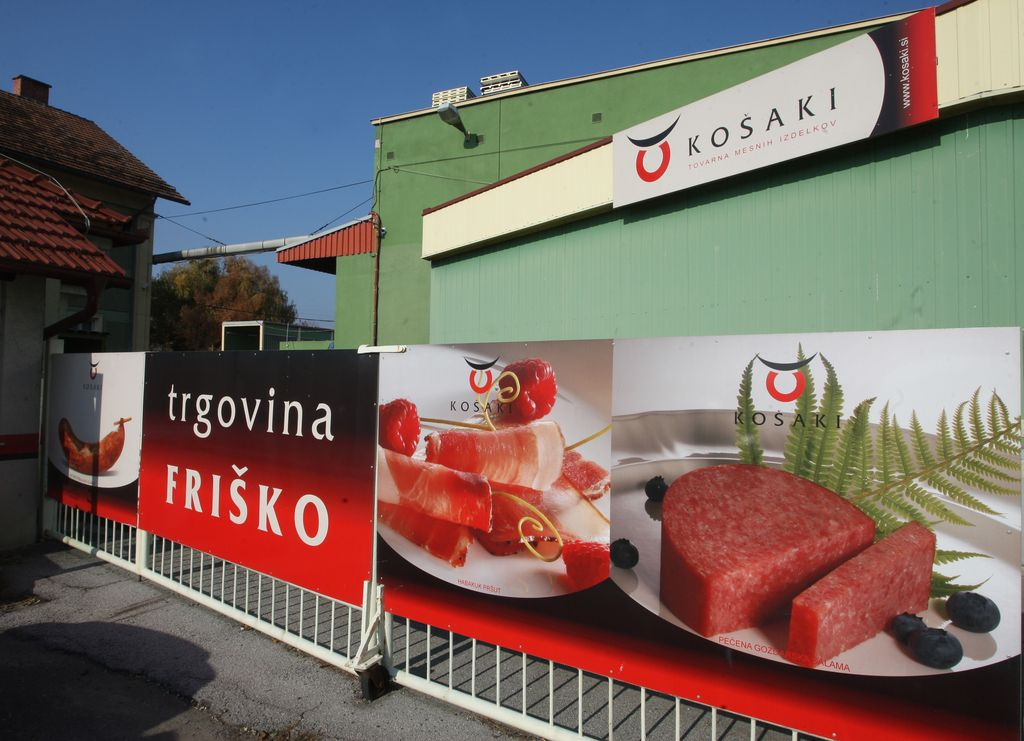 Švedi v slovenski salami halal odkrili svinjino