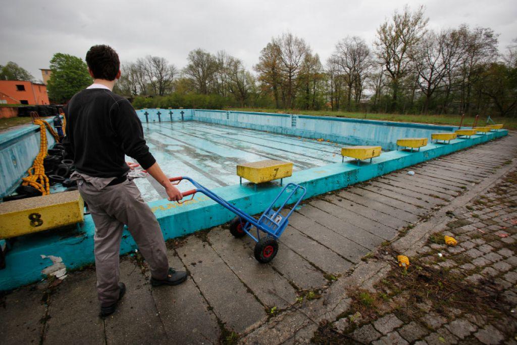 Janković bi imel vevške bazene - zastonj