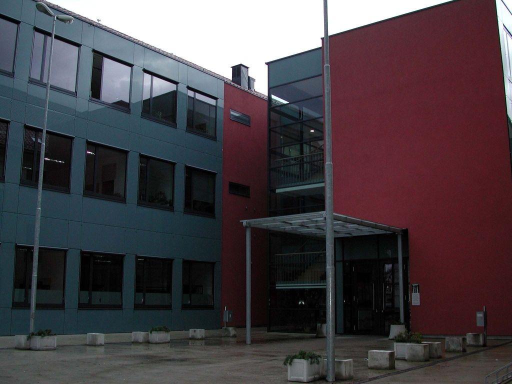 Preoblikovanje šol v Mariboru in Celju preloženo