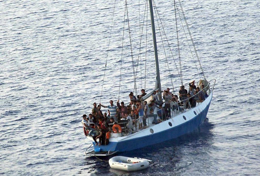 Smrt v Sredozemlju: Nato je pustil umreti 63 beguncev