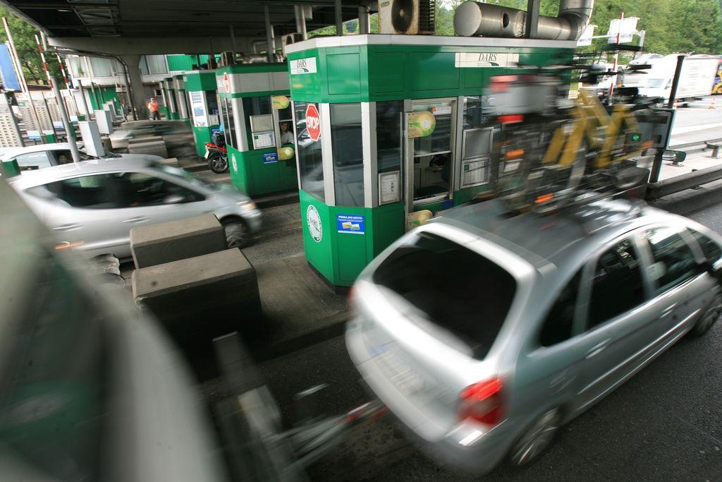 Ministrstvo razveljavilo razpis za preureditev cestninske postaje Log