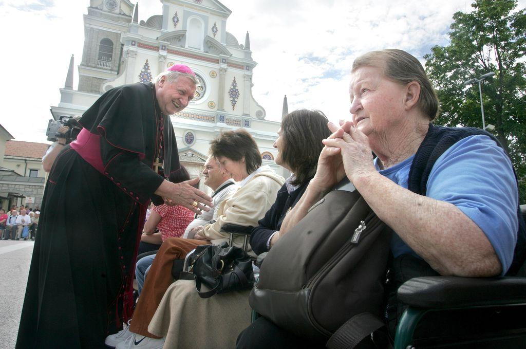 Prevladala bo papeževa volja