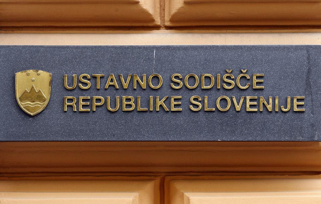 Ustavni sodniki ustno o davku na nepremičnine