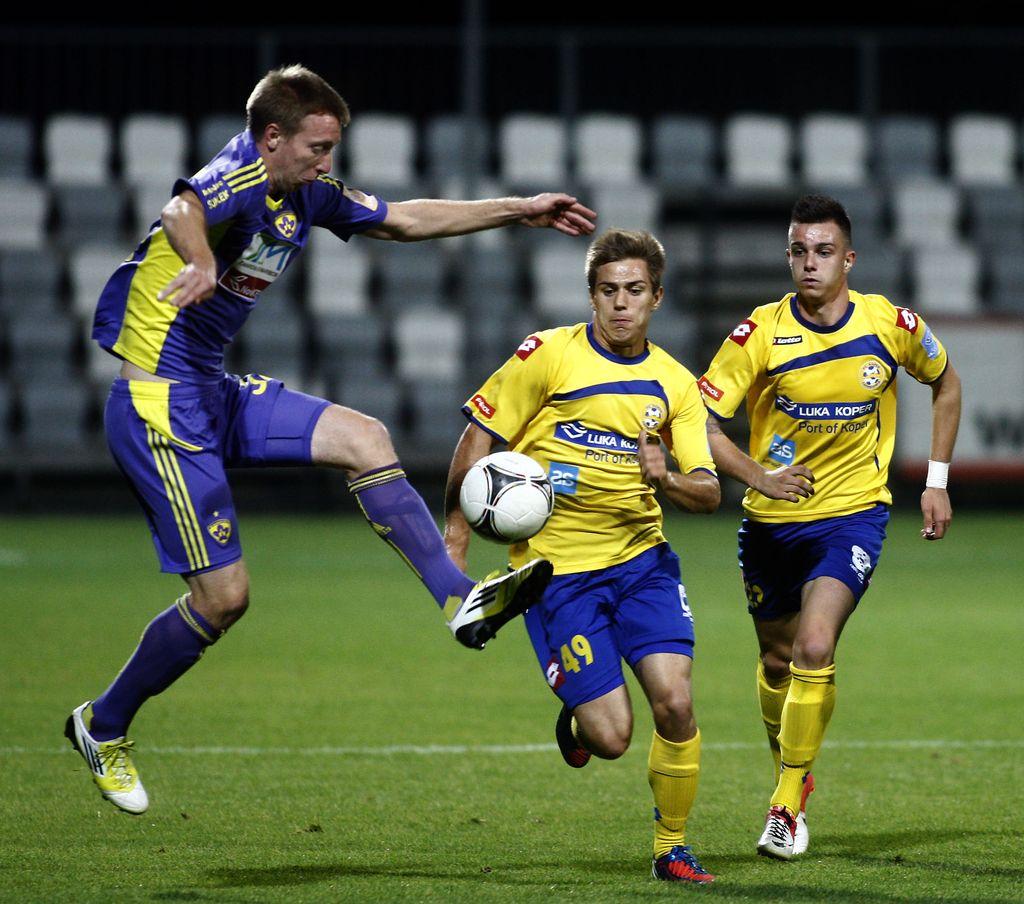 Prva liga: Domžale v zadnji sekundi do zmage, šest golov Maribora
