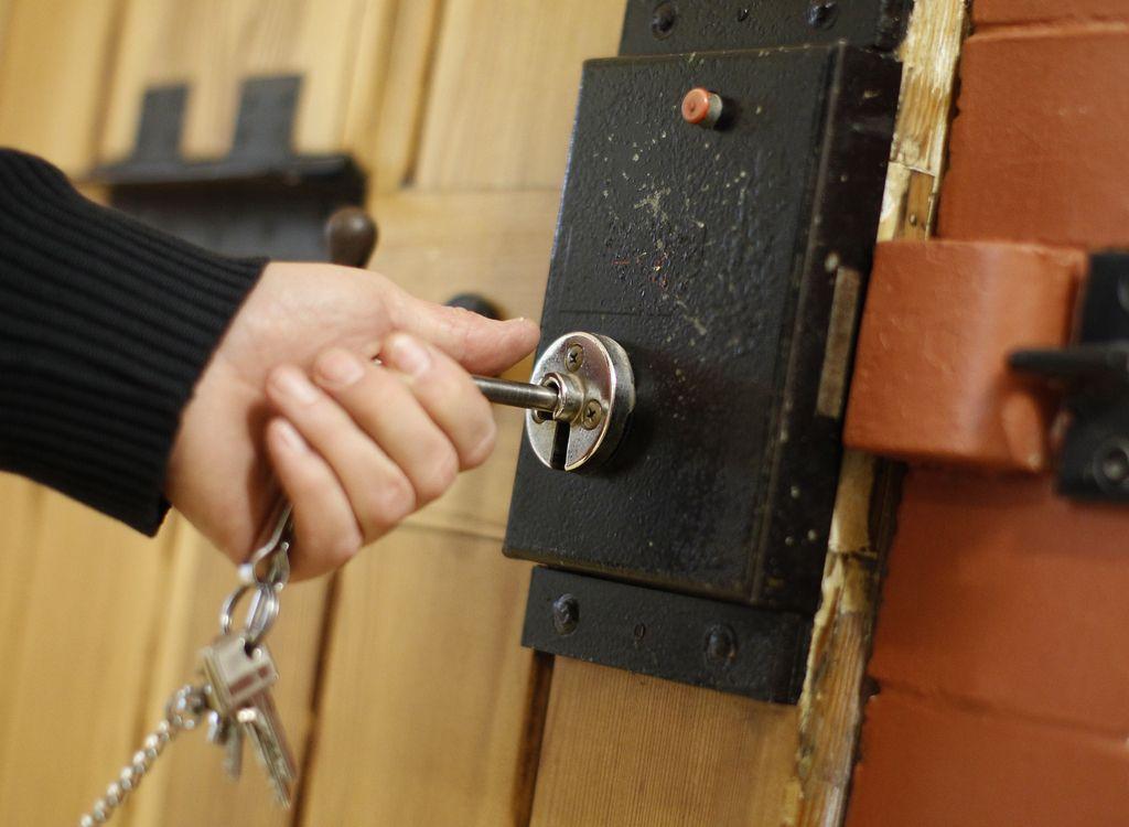 Mitja Kunstelj bo moral zaradi bloganja v zapor