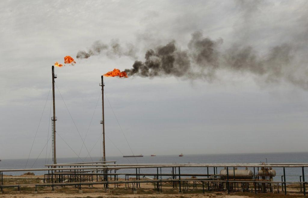 IS nad ključne naftne objekte v Libiji