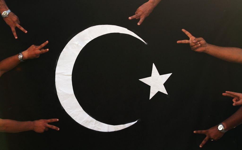 Tovornjak bomba v Libiji zahteval več deset življenj