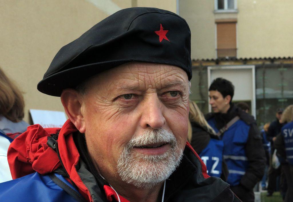 (V živo): V Ljubljani demonstracije proti »načinu reševanja iz krize«
