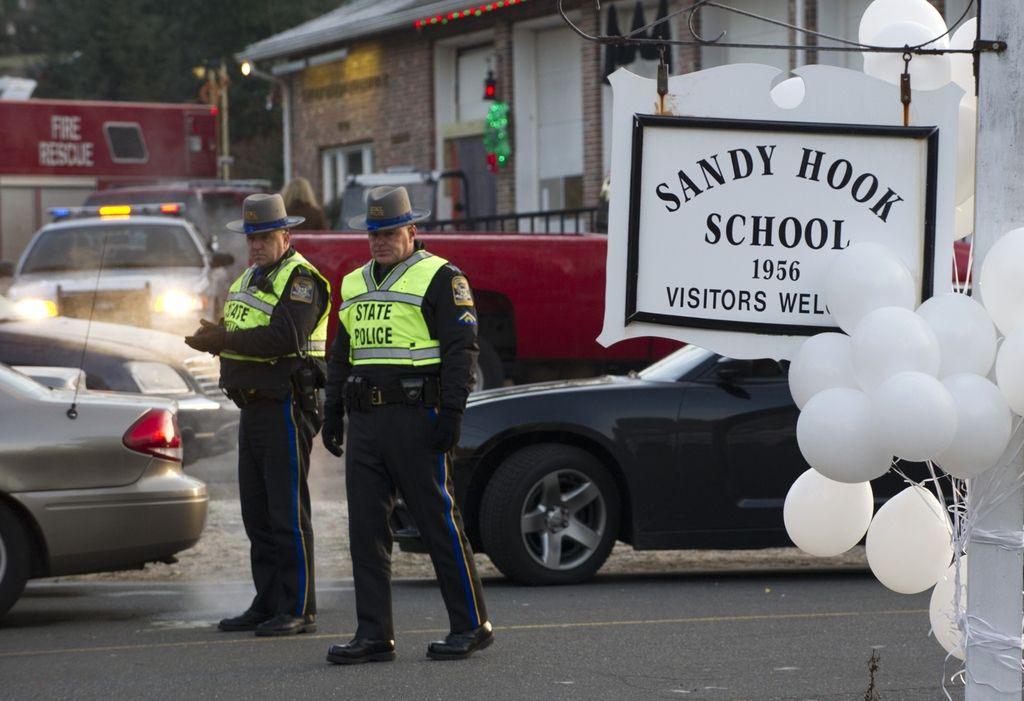 Pričanje očividcev pokola v Connecticutu: učitelji umrli za učence