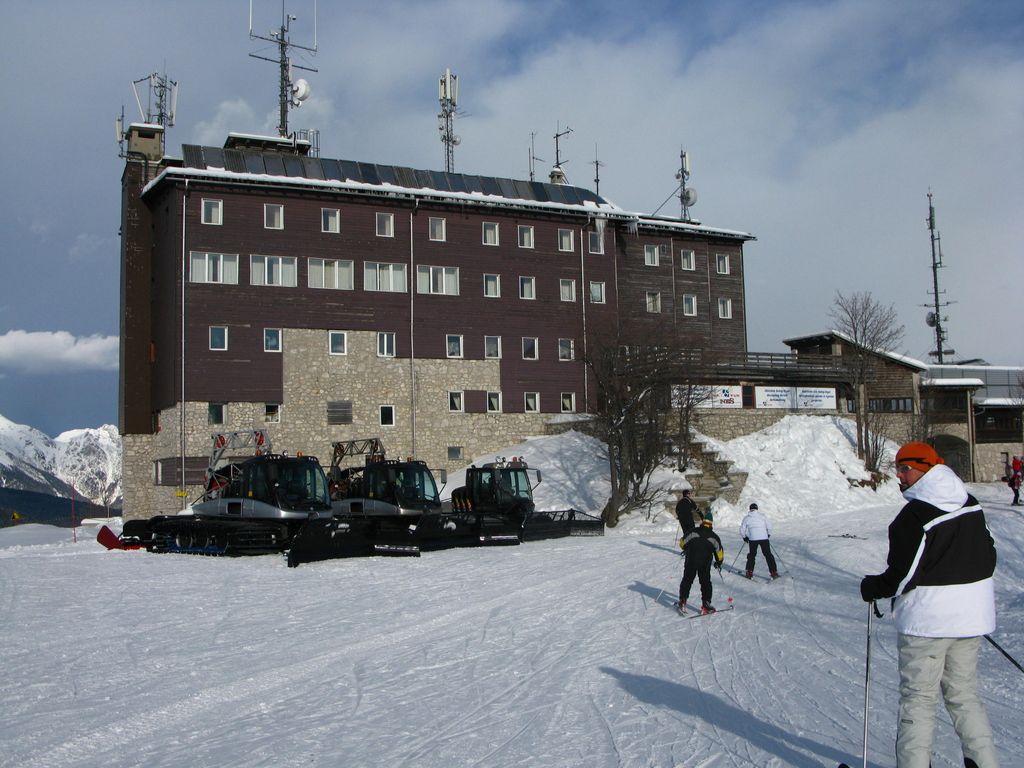 Hotel Ski na Voglu spet odprt