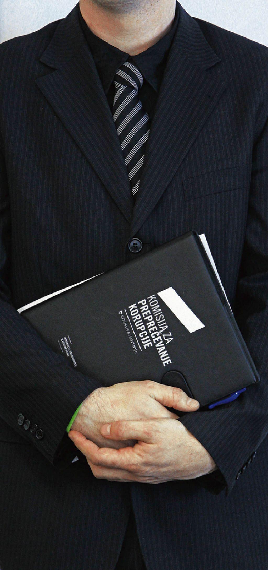 Bloomberg o nevarnostih politične krize v Sloveniji