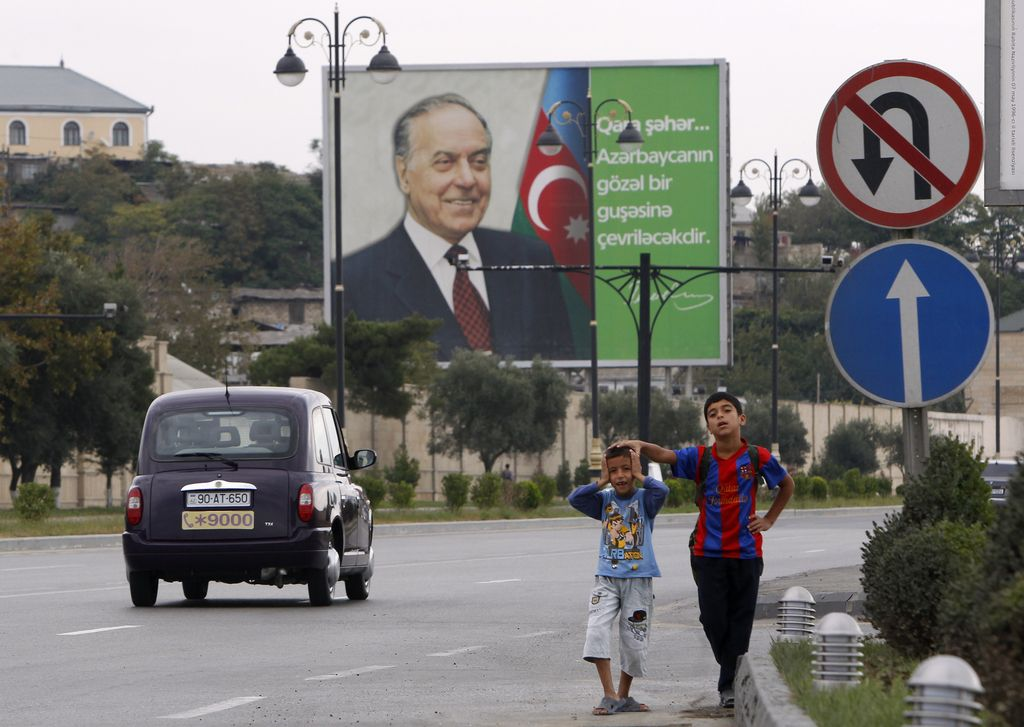 Azerbajdžan: korupcija in kratenje človekovih pravic