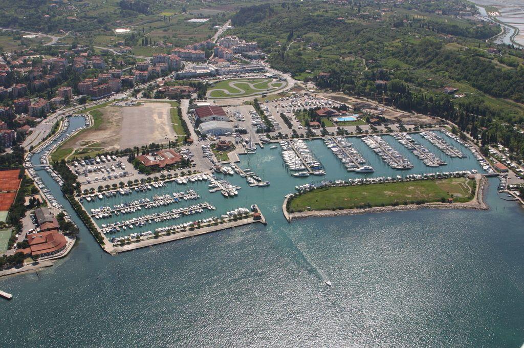 Priložnost za Lucijo in vaba za kupce Marine
