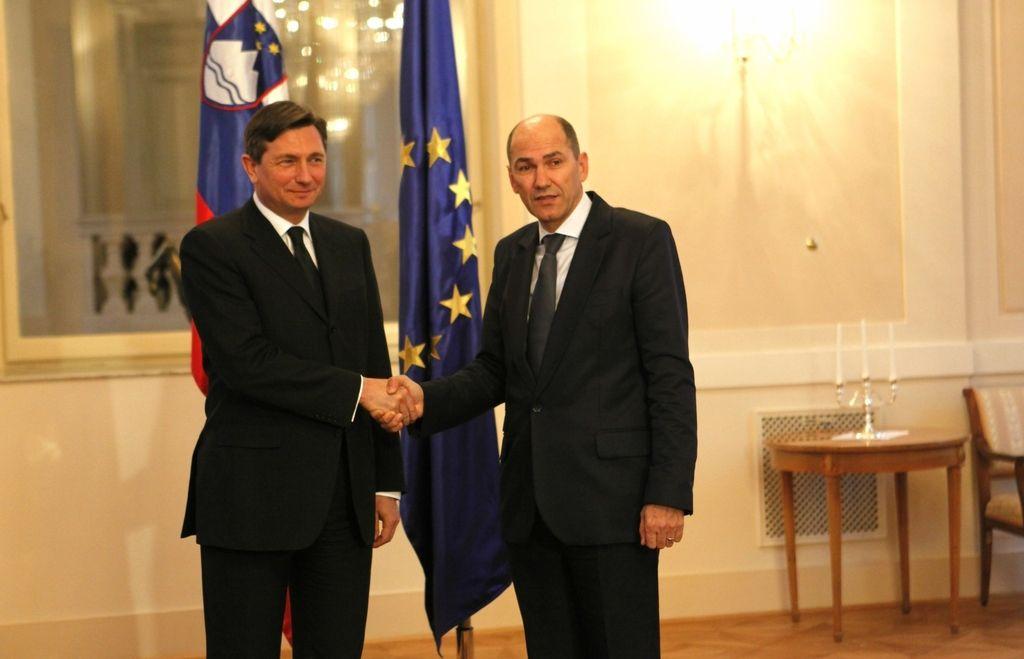Pahor in Janša v telefonskem kontaktu pred prestajanjem kazni