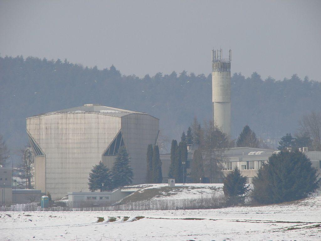 Dol pri Ljubljani zaradi reaktorja v Brinju toži državo