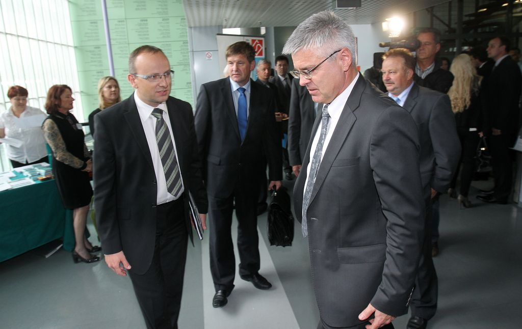 Janša: Odstopil najslabši minister za gospodarstvo