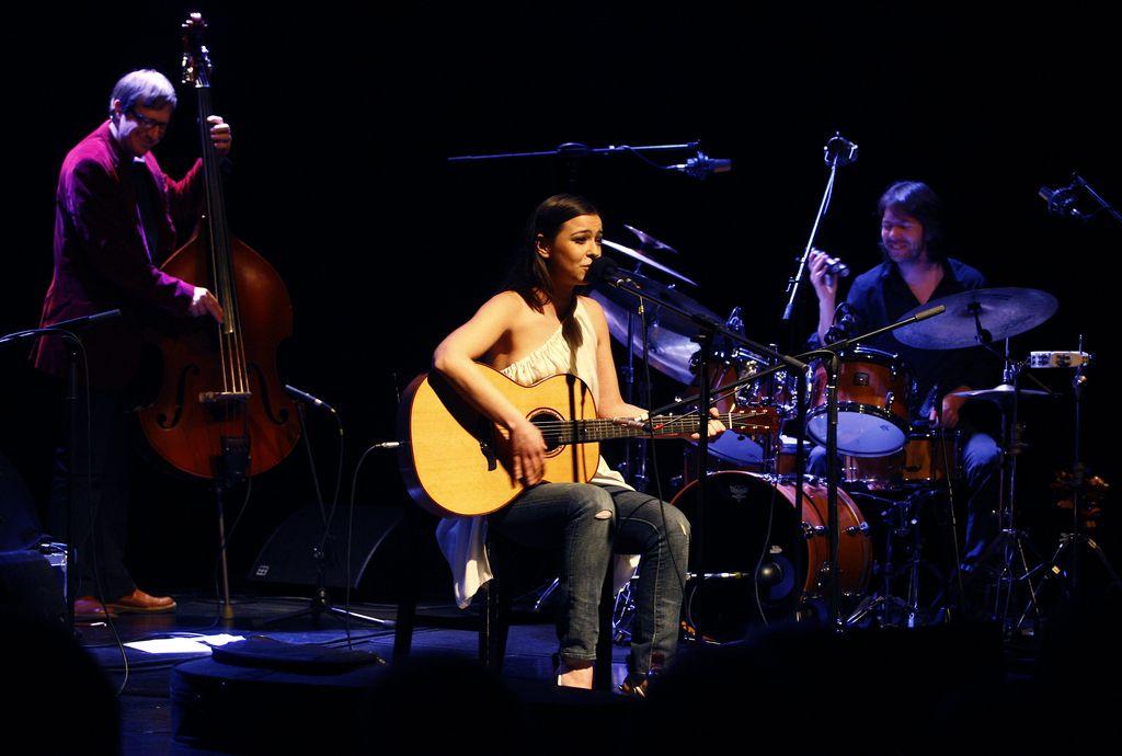 Glasba za dobro jutro: Olivija, Kjer je toplo