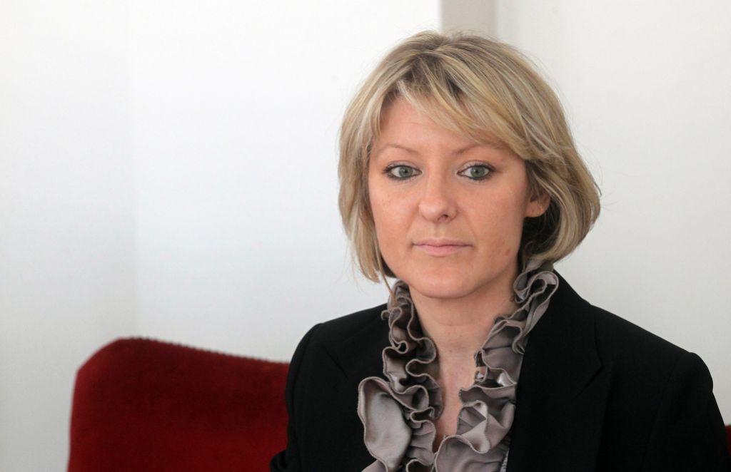 Ministrica Tina Komel vendarle odstopila