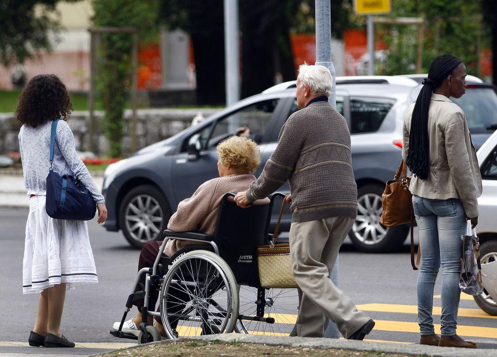 Država mora invalidom zagotoviti dostop do volišč