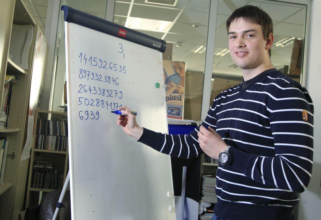 Fant, ki zna na pamet 1111 decimalk števila pi