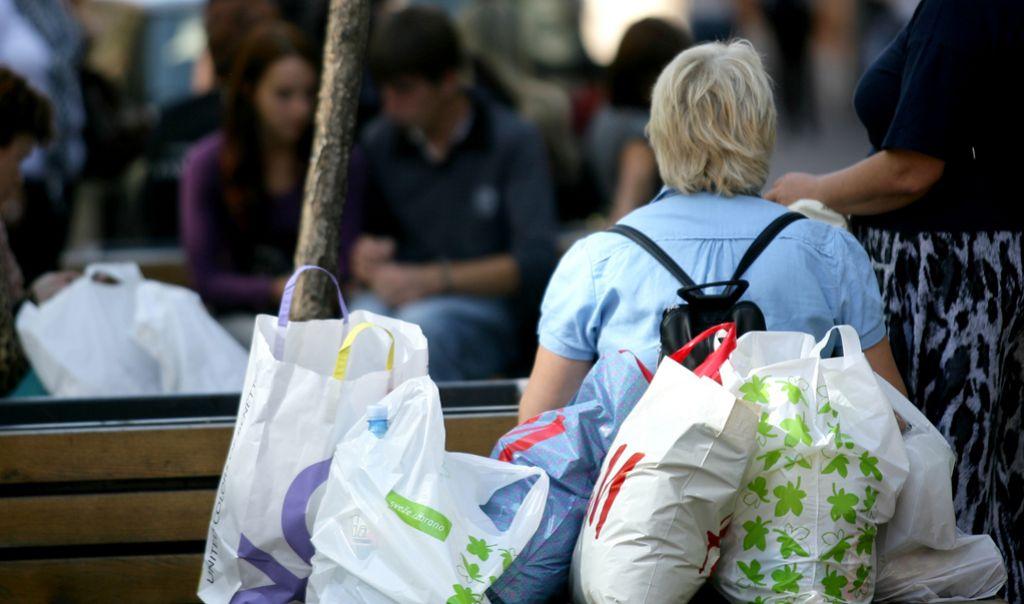 Lidl z junijem ukinja plastične vrečke