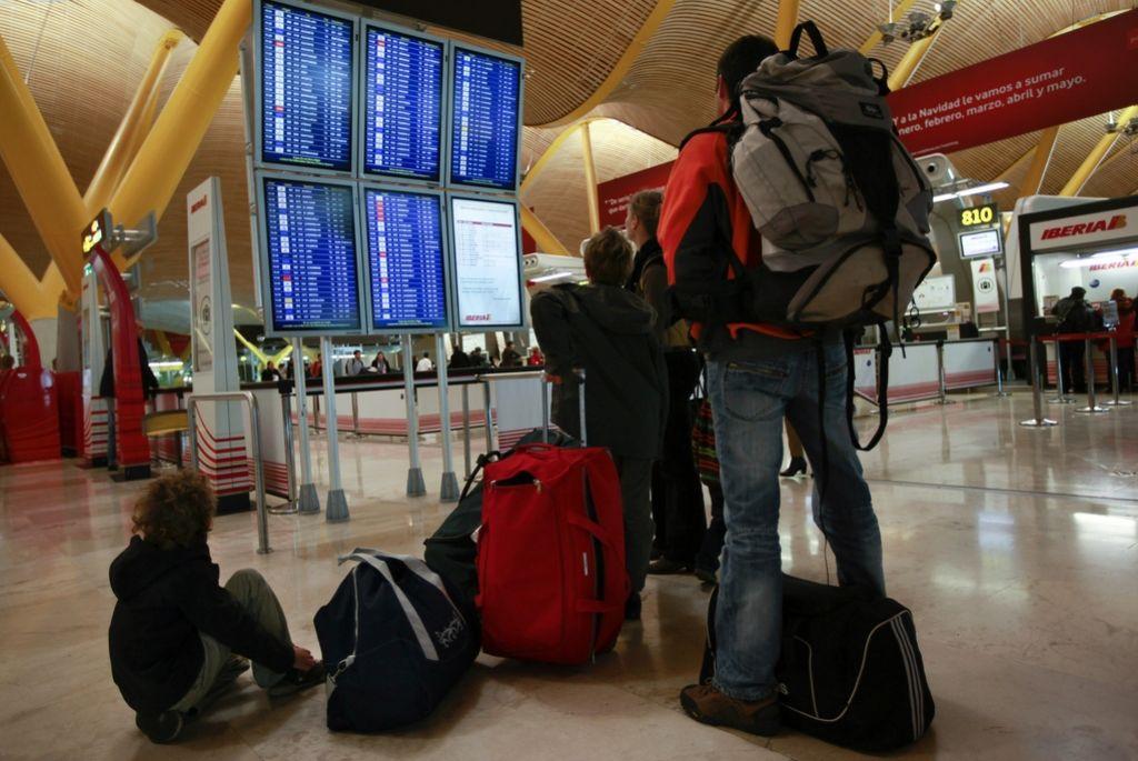 Slovenci odhajajo v tujino