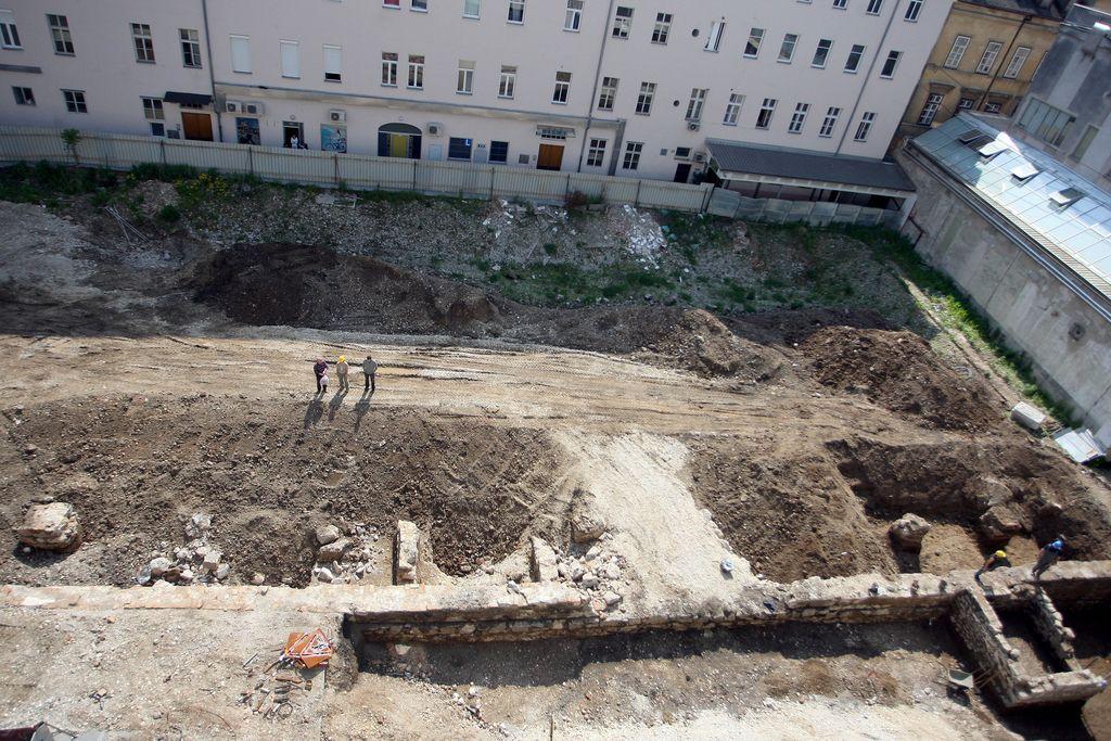 Arheologi bodo kmalu odšli, bo sledila gradnja?