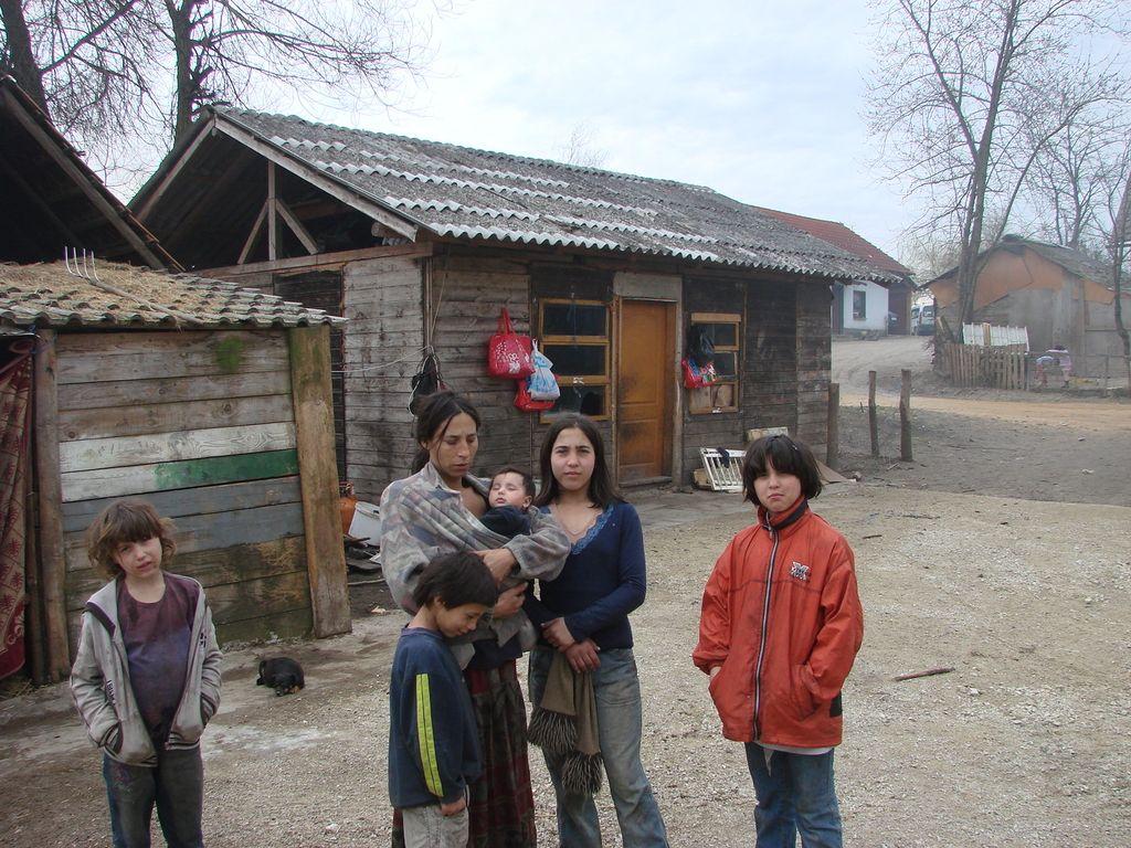 Romom grozi rušenje in preselitev