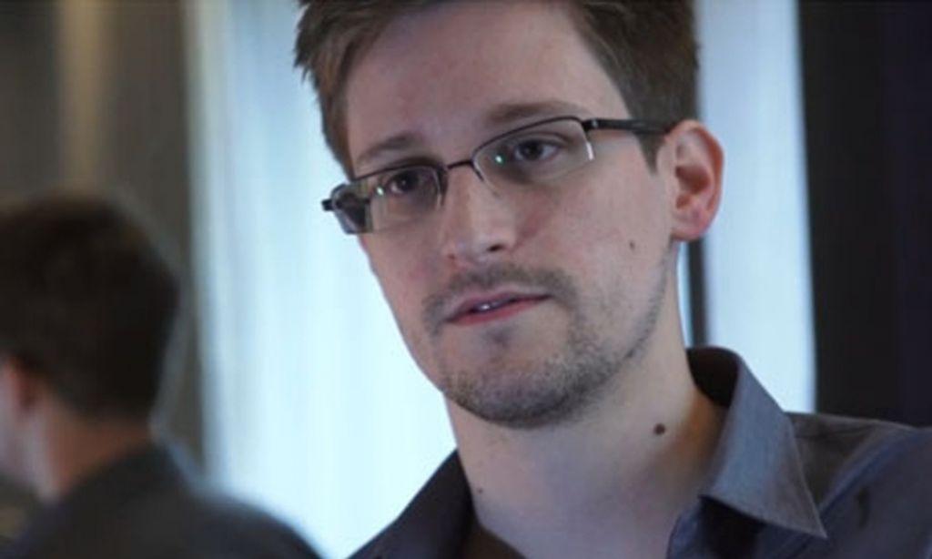 Izginil Edward Snowden