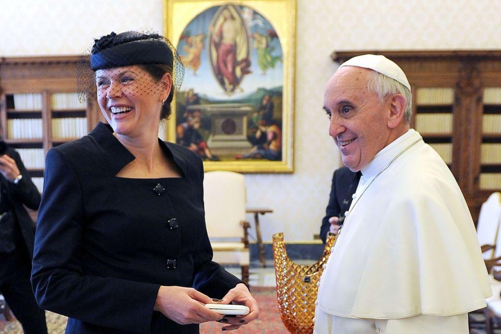 Alenka Bratušek pri papežu Frančišku