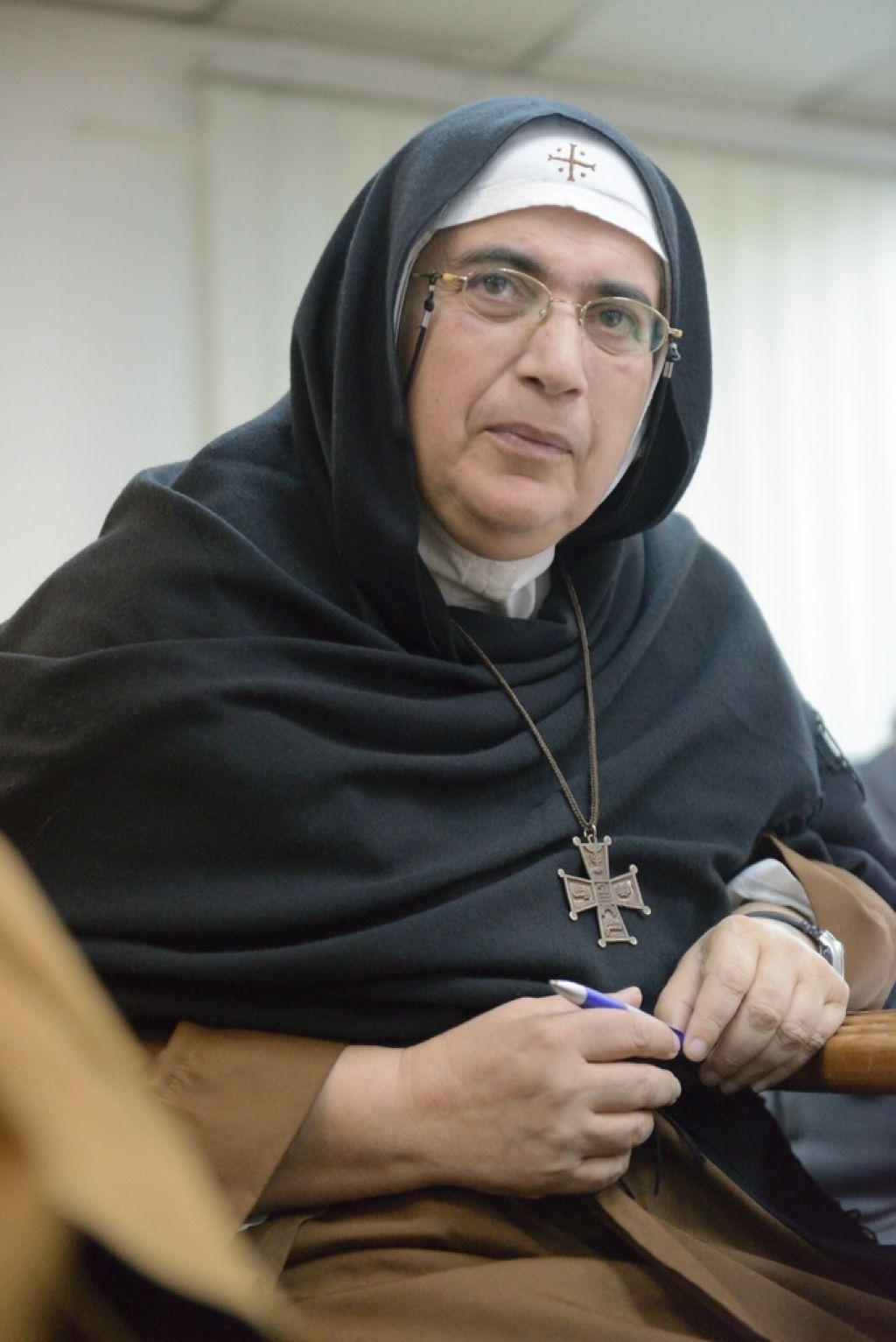 Mati Agnes od Križa: Če bi molčala, bi bila soudeležena v zločinih