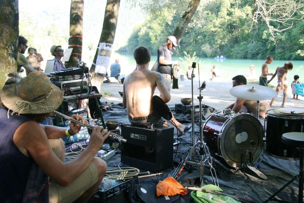 Sajeta: uporniški festival nevsakdanje glasbe in umetniških praks