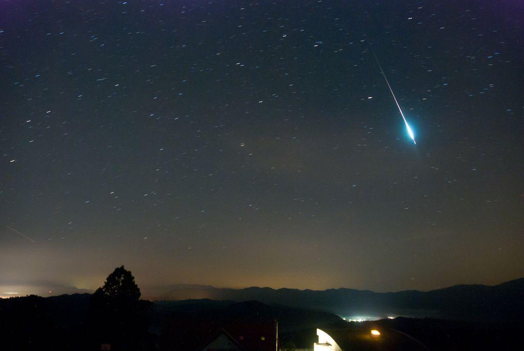Nočna predstava padajočih zvezd